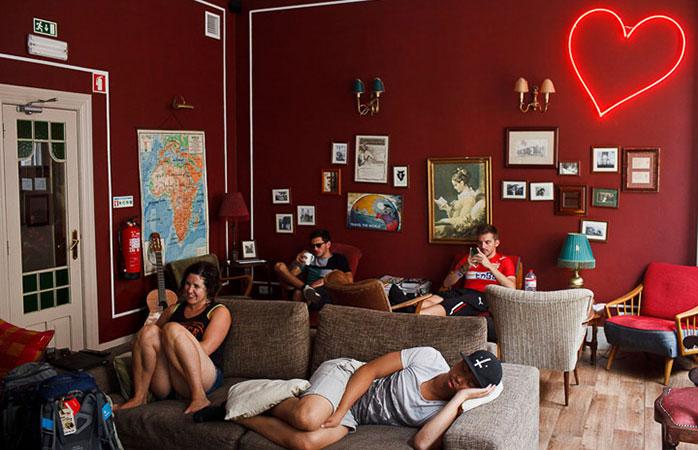 """Un hostel atât de confortabil și de plăcut încât este numit """"Home"""" (Casă)."""