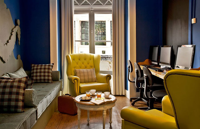 O cameră frumoasă cu internet din Hostelul Goodmorning Lisbon.
