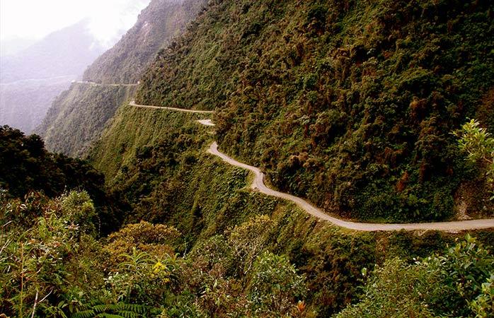 5-Drumul-Mortii-cele-mai-bune-vacante-cu-bicileta-trasee-bicicleta-drumul-mortii-tur-cu-bicicleta