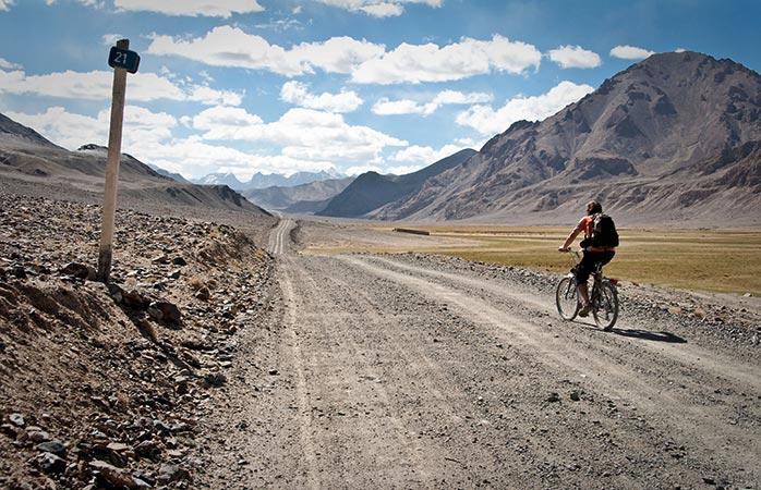 10-Drumul-Pamir-ciclism-trasee-bicicleta