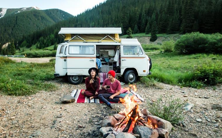 Călători de care ne îndrăgostim #003: The Nomadic People