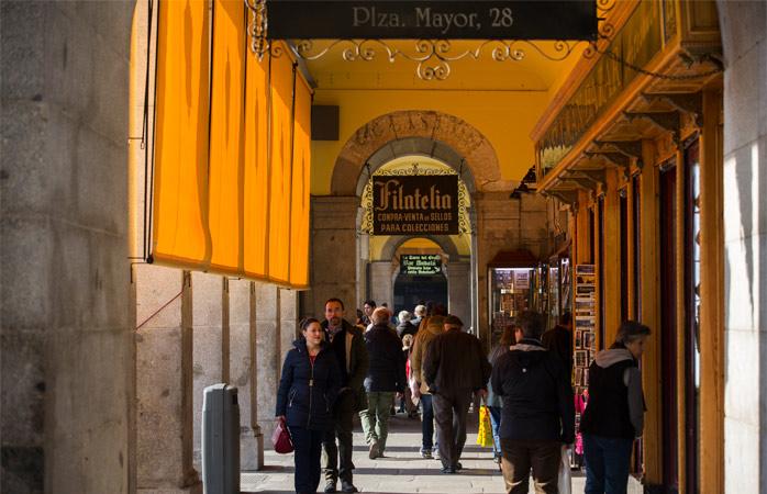 Turistică sau neturistică, în Plaza Mayor, toate zidurile respiră istorie