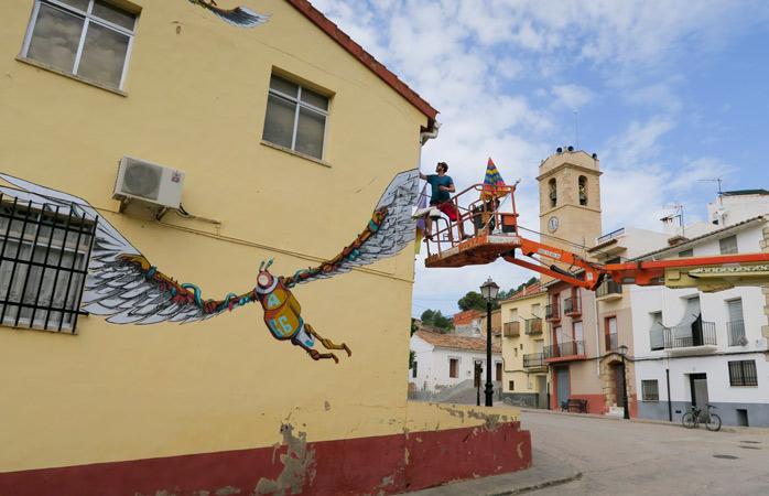 Află că acest orașel spaniol al cărui nume îți spune ceva, cu siguranță, este spațiu pentru mai mult de 40 de ziduri artistice, cele mai multe fiind restaurate în fiecare an, cu ocazia festivalului M.I.A.U. Fanzara