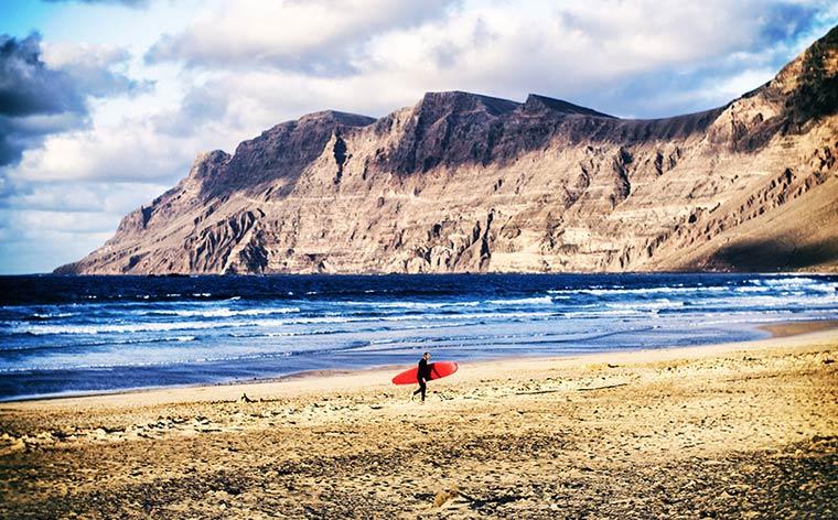 Insulele Canare: descoperă  insula de foc Lanzarote