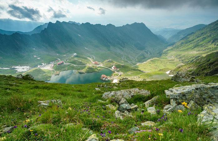 Nicăieri nu se aude chemarea munților românești ca pe Transfăgărășan