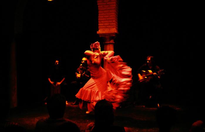 Nu poți spune nimănui că ai fost în Sevilla, fără să-i povestești cum ți s-a părut spectacolul de Flamenco