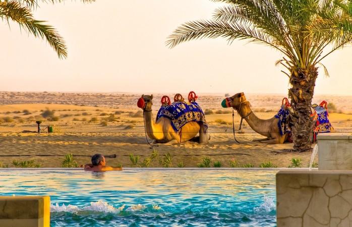 În Dubai, luxul modern se întâlnește cu minunile naturale