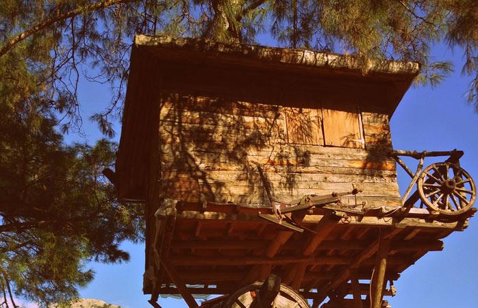 O cameră tipică din stațiunea Kadir Treehouses în Plympos, Turcia.© Kadir Treehouses