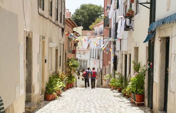 La pas prin cartierul Alfama