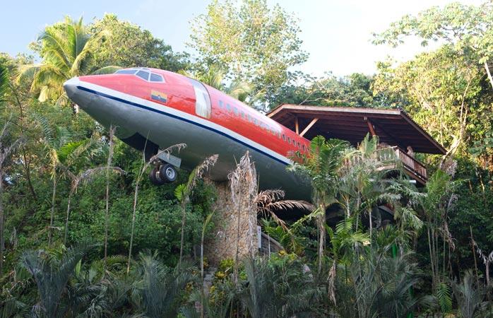 Urcă-te în avionul devenit casă în copac al luxosului Hotel Costa Verde, de pe coasta Pacificului, din Costa Rica. © Hotelul Costa Verde