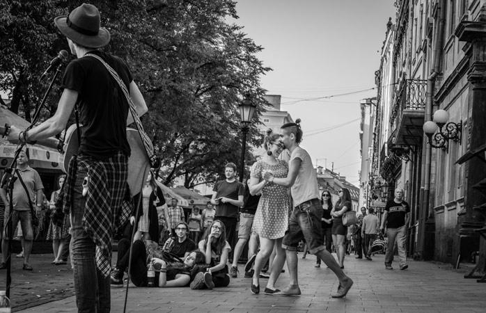 Ponturi pentru a călători împreună? Dansați cu noi prieteni.