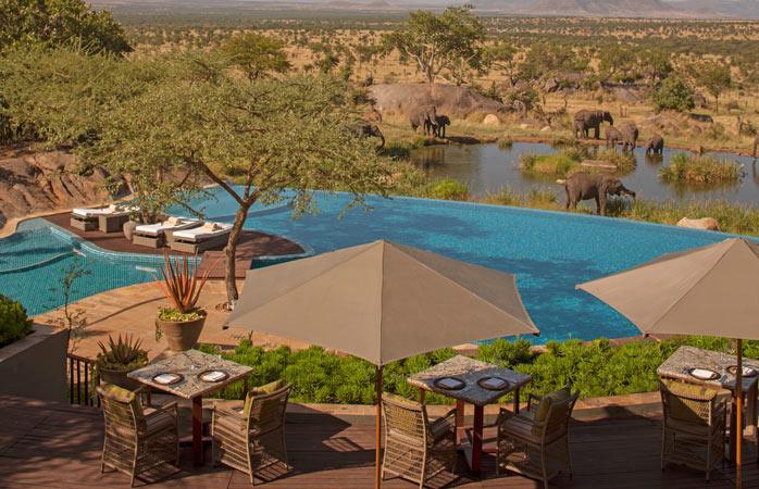 Serengeti-Serena-Lodge-hoteluri-cu-piscine-piscina-infinity