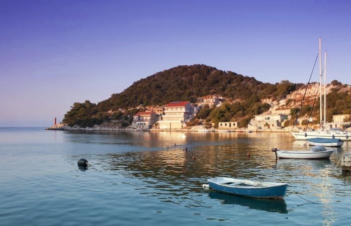 Peisaj frumos intr-un golf din Lastovo, una dintre cele mai mici si mai dragute insule ale Croatiei.