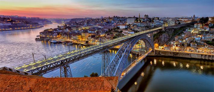 O vedere panoramică a orașului Porto!