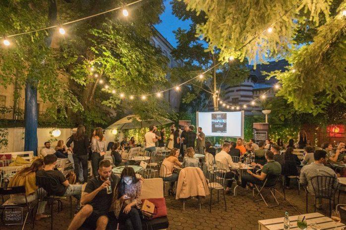 11 terase și grădini de vară din București pentru o ieșire relaxantă cu prietenii în 2019