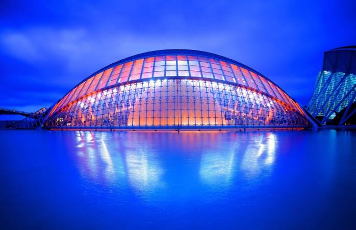Cu un design conceput de Calatrava și Félix Candela, Ciutat de les Arts i les Ciències este una dintre cele mai însemnate bijuterii arhitecturale ale Spaniei.