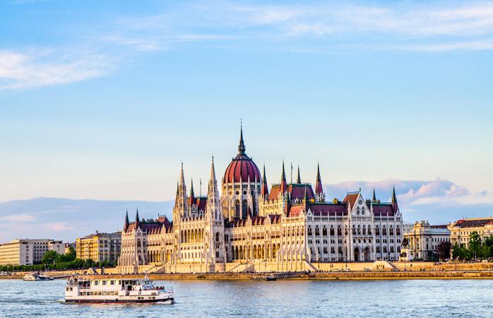 Ai auzit de ea, iar news feedul de Instagram o ridică în slăvi: Clădirea Parlamentului din Budapesta