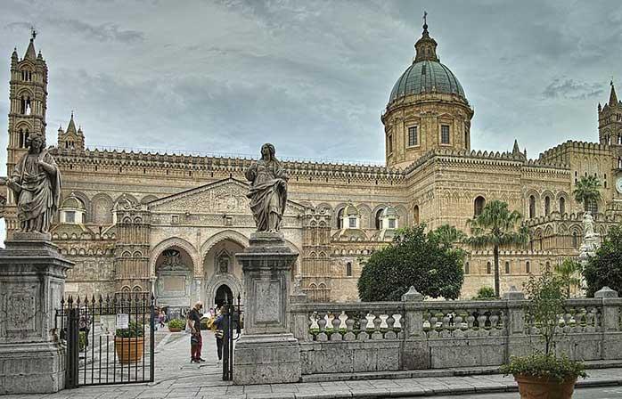 Catedrala din Palermo, combinația celor aproape 2 milioane de stiluri arhitecturale diferite care caracterizează orașul