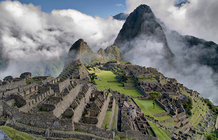 Când peste Machu Picchu se-așterne o pătură de nori...