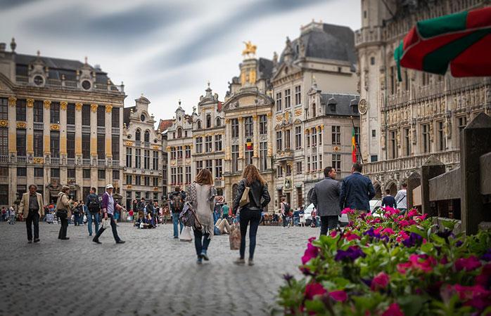 Plimbarea și shopping-ul de după amiaza, în Piața Centrală din Bruxelles