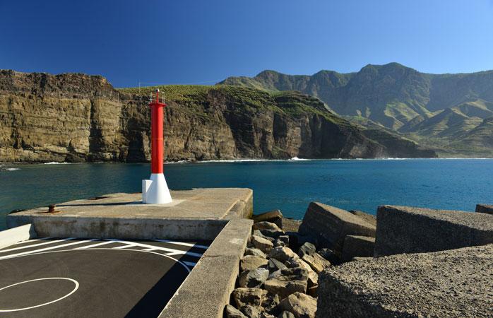 Orașul Puerto de Las Nieves de la malul mării te va înnebuni până peste poate, dar nici pe departe așa cum o vor face restaurantele-i pescărești