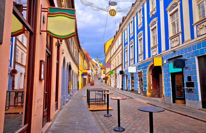 O privire aruncată de-a lungul uneia dintre străduțele colorate și încântătoare din Zagreb ar trebui să fie suficientă încât să nu mai vrei să pleci.