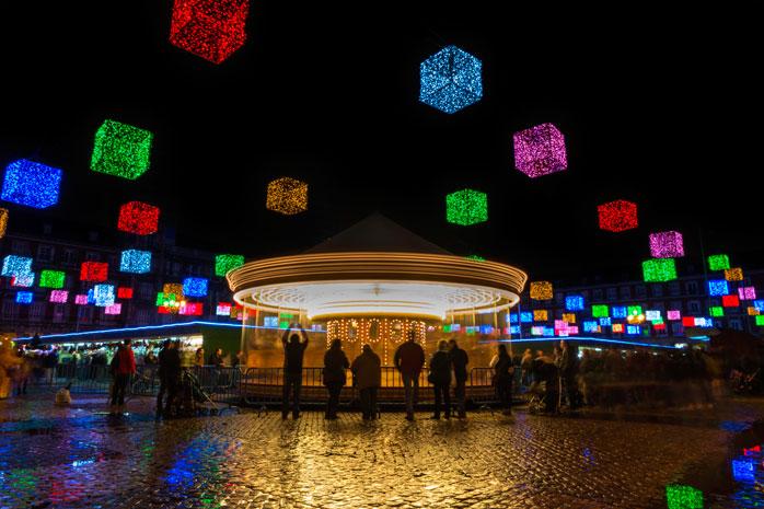 Culori, lumini și toate cele, la Târgul de Crăciun din Madrid
