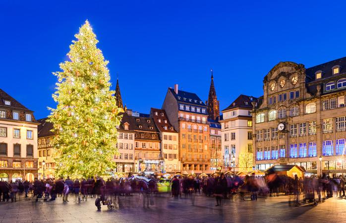 Francezii, buni la toate. Ei, iată că la târguri de Crăciun... excelează