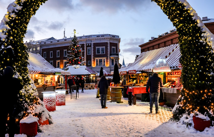 Cultură și ospețe ca-n povești: Târgul de Crăciun din Riga se petrece într-unul din locurile luate sub aripa protectoare UNESCO