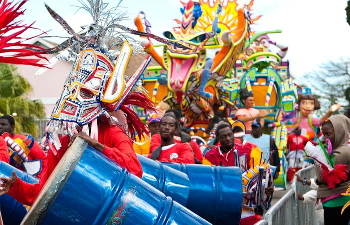 Petrecerea Junkanoo sau Ziua Națională în Bahamas