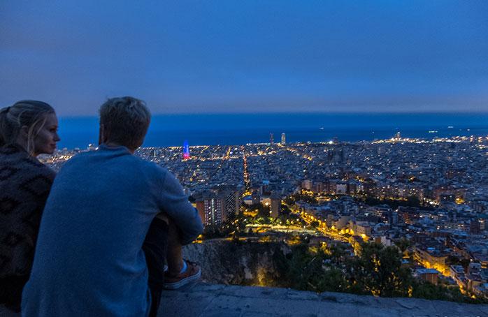 Dacă vrei să simți că aveți Barcelona la picioare, aruncați-i o privire de pe Bunkers del Carmen