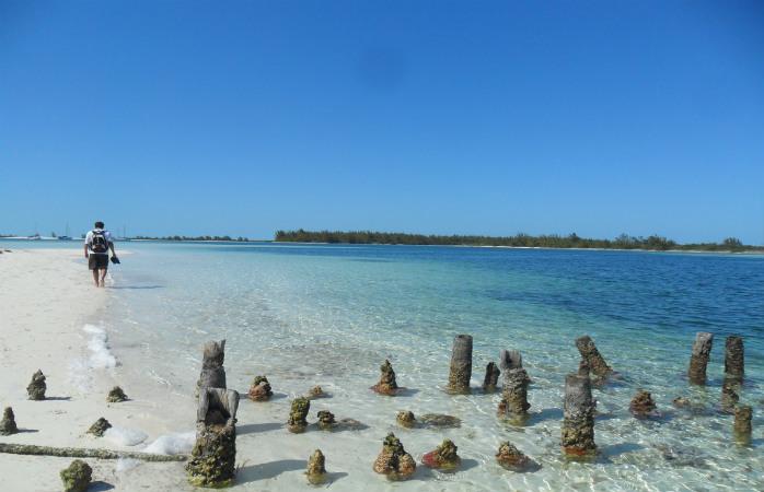 Playa Sirenas, un buchet de plaje virgine din Cayo Largo