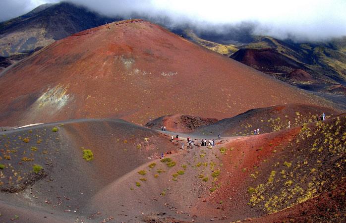 Rămășițele erupției vulcanice de la Muntele Etna