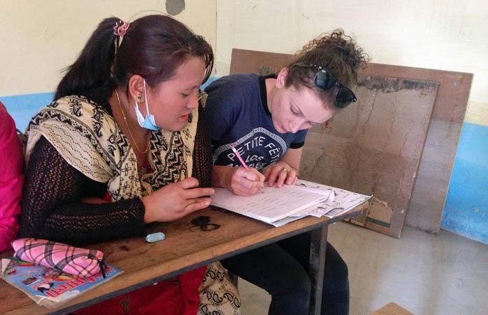 Ajutând comunitățile locale din Nepal prin educație Nepal